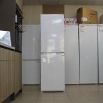 Built-in Fridge Freezer Beko BCSD150 (Graded)