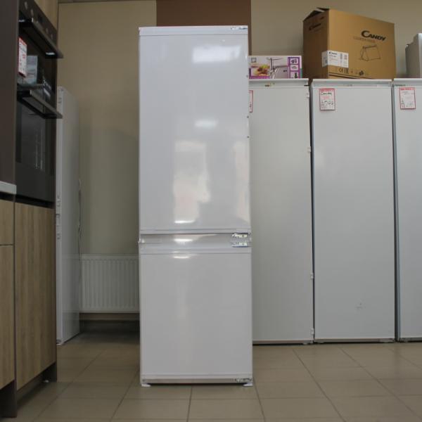 Built-in Fridge freezer Flavel FCF7030 (Graded)