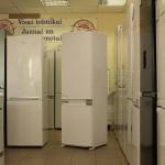 Built-in Fridge Freezer Montpellier MIFF7300F No Frost (Graded)